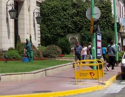 Tigre instala pasamanos en rampas para discapacitados