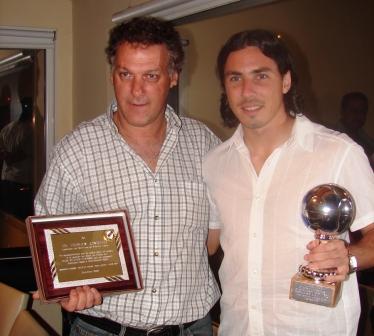 Gnoffo junto a Daniel Vega en agasajo Calamar