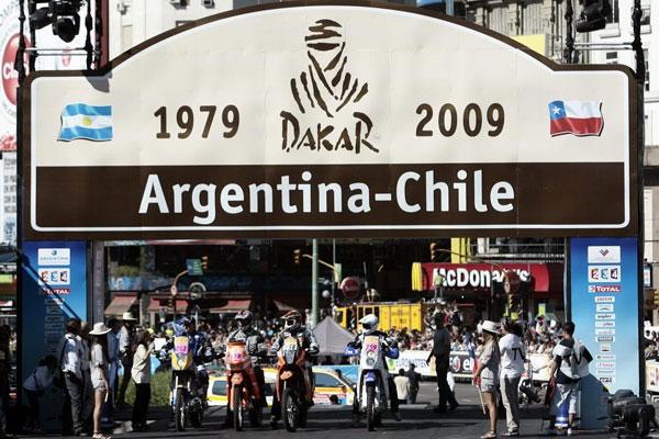 Ante una multitud se llevo a cabo la largada simbólica del rally Dakar 2009