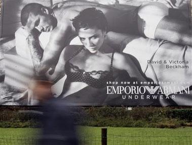 Los Beckham posan juntos en ropa interior para Emporio Armani