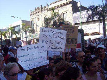 Vecinos de Tigre reclamaron por el aumento en las tarifas eléctricas