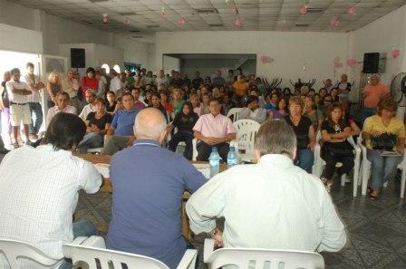 Funcionarios municipales se reunieron con los vecinos de Rincón de Milberg