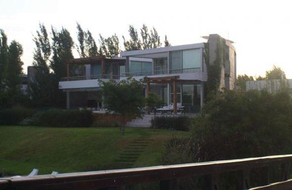 Wanda y Maxi pagaron cerca de US$ 2 millones por una casa en Tigre