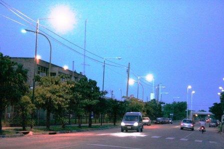 Nuevas luminarias en la Av. Uruguay