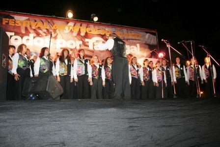 Más de 3000 vecinos disfrutaron del festival Todos por Tartagal - Coreo Kennedy