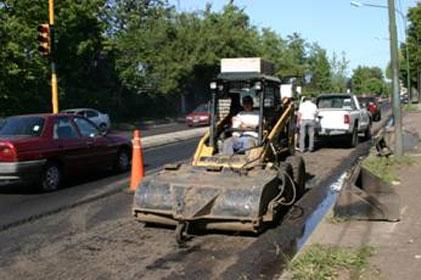 Paulatino avance de la repavimentación de la avenida Márquez