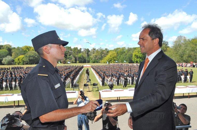 Más de 1200 nuevos efectivos de la Policía destinados al conurbano