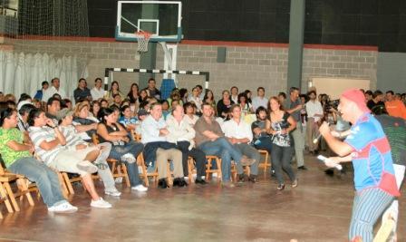 El Intendente de San Fernando, Osvaldo Amieiro, compartió con más de 250 jóvenes el lanzamiento oficial del Presupuesto Participativo Joven en el CEDEC N°1 de Virreyes