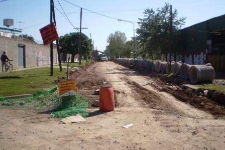 Comenzaron los trabajos de pavimentación en la Avenida Paul Groussac
