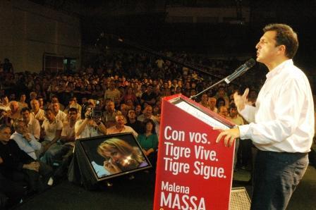 """El Jefe de Gabinete presentó la lista de candidatos en Tigre ante más de 5 mil vecinos que colmaron las instalaciones del Club Glorias para apoyar el proyecto cuyo lema es """"Tigre Vive, Tigre Sigue"""""""