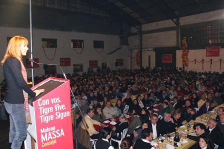 Massa compartió una cena junto a más de 2 mil personas Benavídez