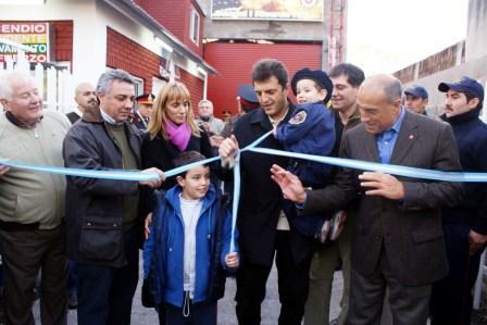 Massa inauguró el destacamento de bomberos de Ricardo Rojas con un show de Luciano Pereyra