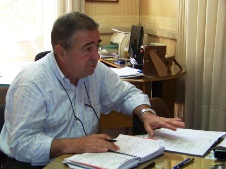 candidato a concejal de Osvaldo Amieiro y actual Secretario de Planificación y Economía, Alberto Esteban
