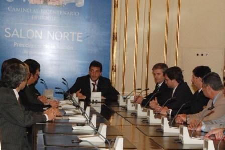 Massa firmó programa de seguridad ciudadana con San Isidro y Morón