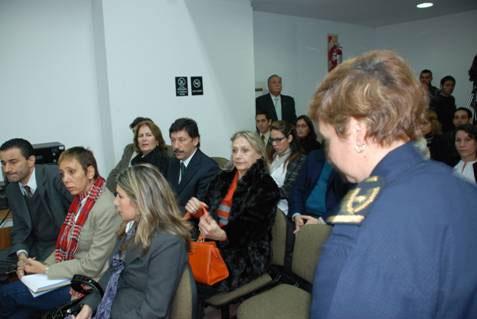El intendente de San Isidro, doctor Gustavo Posse, acompañó esta mañana a la viuda del capitán Aldo Roberto Garrido