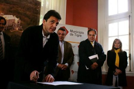 Se firmó el convenio para una nueva institución universitaria en el Delta