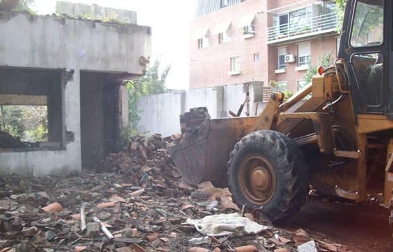 Demolieron vivienda en Acassuso por repreentar un riezgo para los vecinos