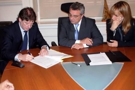 Se firmó un convenio para el Dragado en Islas