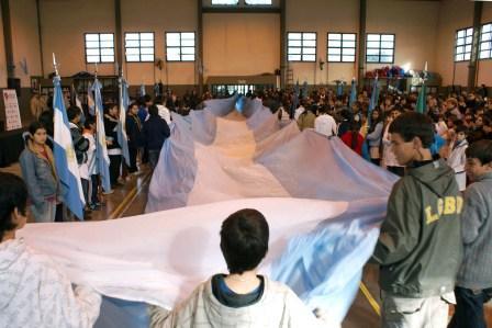 Escuelas de Tigre realizaron la Jura a la bandera