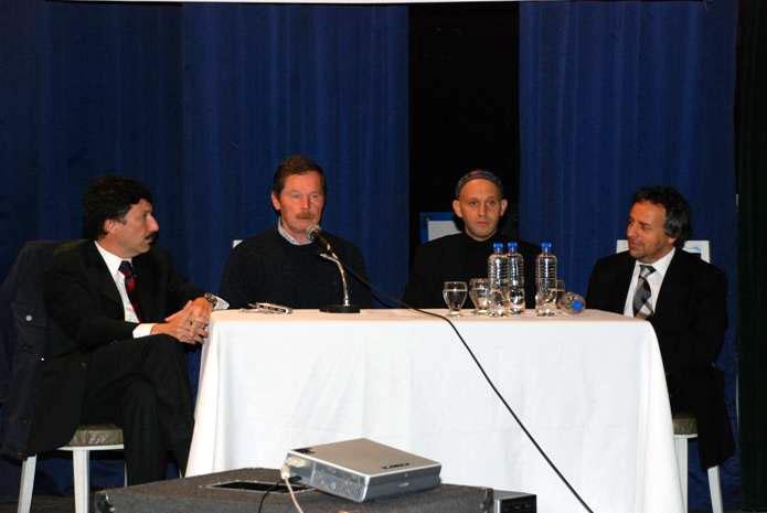 El intendente Posse, junto a Juan Carr, el rabino Sergio Bergman y el lic. Flier durante el encuentro