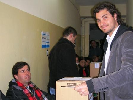 Santiago Cafiero votó en San Isidro