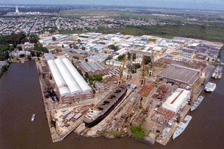 El buque Eva Perón y la construcción de lanchas son los proyectos del ARS para el 2021
