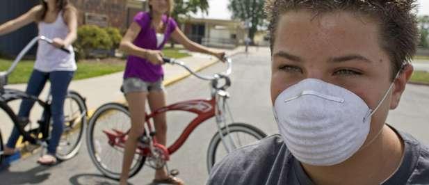 Casi la mitad de los casos de gripe A se reportaron en niños y adolescentes