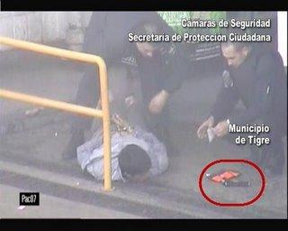 Las cámaras de seguridad permitieron atrapar  a un delincuente armado en Ricardo Rojas