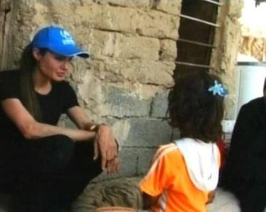 Angelina Jolie visita un campo de refugiados en Irak