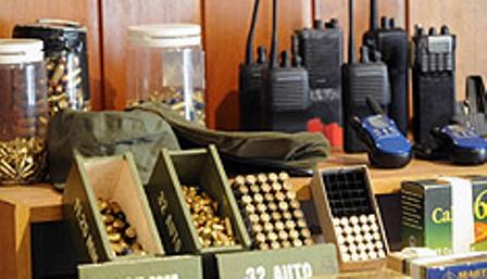 Parte del arsenal secuestrado en Beccar