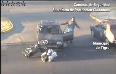 El choque de una moto fue detectado por las cámaras de seguridad de Tigre (28738)