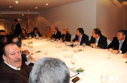 Scioli se reunió con intendentes de la Zona Norte