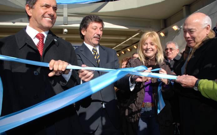 El gobernador Scioli, el intendente Posse, la ministra Álvarez Rodríguez y el secretario Landívar en el tradicional corte de cintas para dejar inaugurado el túnel de Boulogne