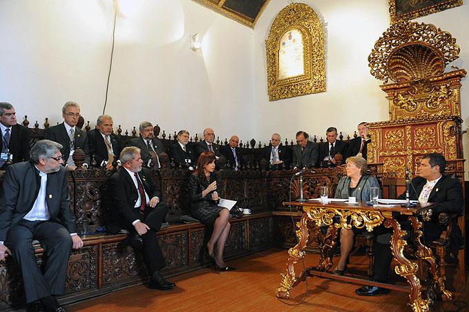 Presidentes de UNASUR respaldaron derechos argentinos sobre Malvinas