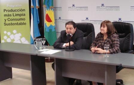 El Secretario de Ambiente y Desarrollo Sustentable Nacional, Homero Bibiloni y Ana Corbi, Titular del Organismo Provincial para el Desarrollo Sostenible de la Provincia de Buenos Aires