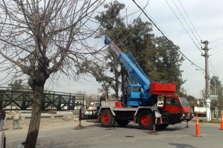 Últimos trabajos para terminar el puente Dique Luján – Villa La Ñata