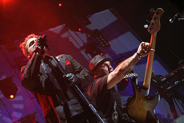 Los Fabulosos Cadillacs: Avalancha de éxitos en el Luna Park - Foto de Santiago Filipuzzi (gentileza de Rolling Stone Argentina)