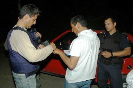 fuerzas de seguridad municipales y provinciales participaron en forma conjunta de un operativo de saturación en el que identificaron ciudadanos