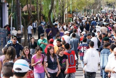Miles de jóvenes festejaron el día de la Primavera en Tigre