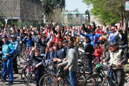 Una multitud recorrió San Fernando en bicicleta