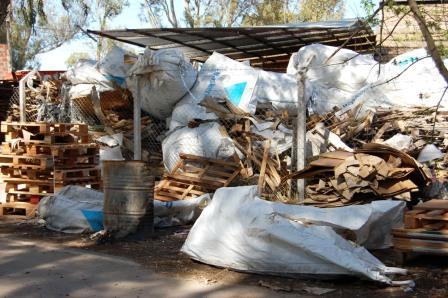 Clausuran depósito de residuos industriales en Pilar