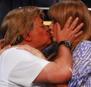 Graciela Alfano y Tití Fernández se besaron ante las cámaras de ShowMatch