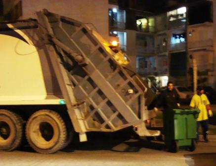 La municipalidad de San fernando comenzó a retirar los contenedores de basura de edificios
