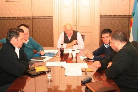 Funcionarios de Salud, Gobierno y Medio Ambiente mantienen reuniones con investigadores expertos en el tema