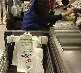 En 10 días, los supermercados de la Provincia no podrán entregar más bolsas plásticas