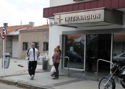 Una mujer embarazada fue encontrada hoy asesinada a puñaladas en el interior del centro de diálisis en el que trabajaba como empleada de limpieza, en la localidad bonaerense de Carapachay