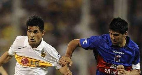 Boca Juniors doblegó a Tigre 2-1