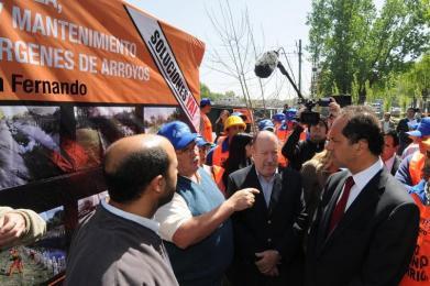 Scioli recorrio la obras de limpieza de arroyos en San Fernando