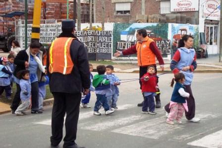 Defensa Civil de Tigre realiza trabajos de prevención en establecimientos escolares