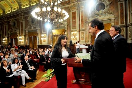 El gobernador Daniel Scioli entregó hoy 29 decretos de designación de magistrados y funcionarios del Poder Judicial
